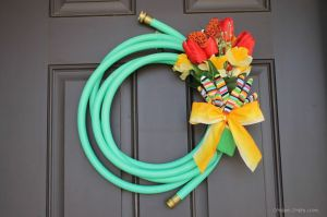 This is adorable for spring time on the front door!